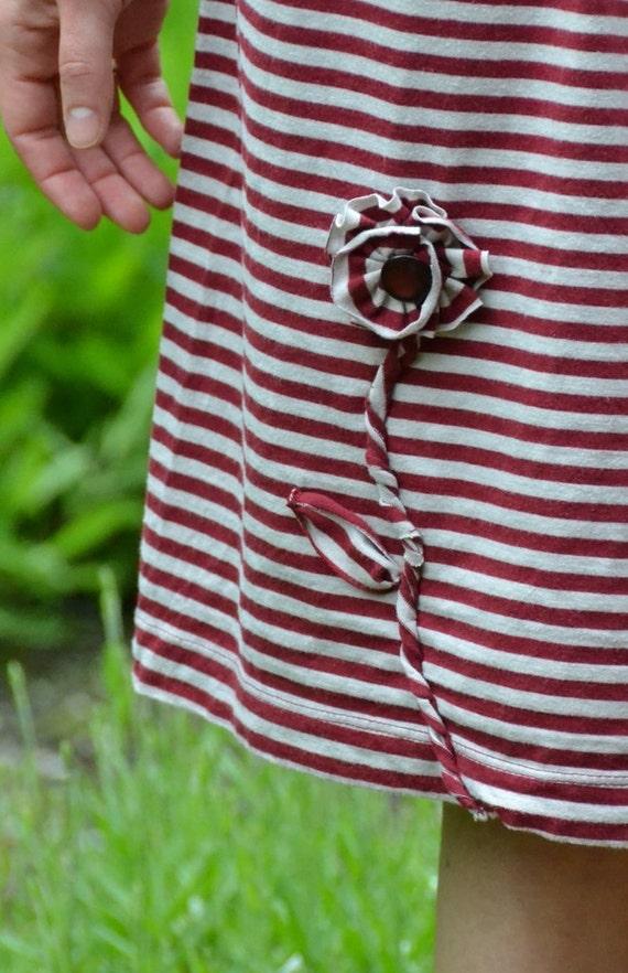Red & Beige Striped Flower Skirt
