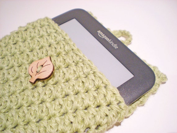Kindle Case / Kindle Sleeve / Kindle Cover / - Mother's Day Gift - crochet, light green - Ready to ship