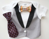 Tuxedos Baby Suit with black collar- Changeable bow tie, tie,vest,short sleeve- color of bowtie,tie on pic sold out plz choose other fabric