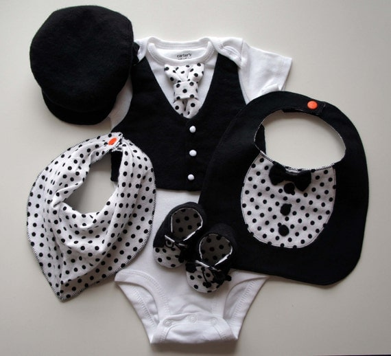For klansdell-Baby Gift Set, Tuxedos,4PC,bodysuit, bib, booties, driving cap