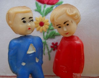 Pair of Magnetic Celluloid Kissing Nodders - Made in Hong Kong
