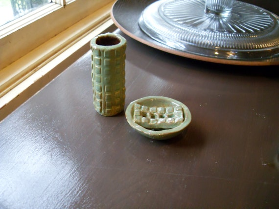 soap dish and toothbrush holder