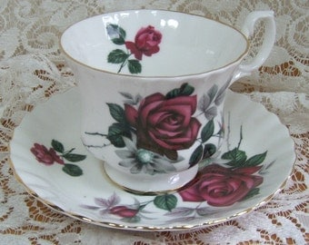 Cup and Saucer - Royal Albert - Roses - Made in England - Bone China