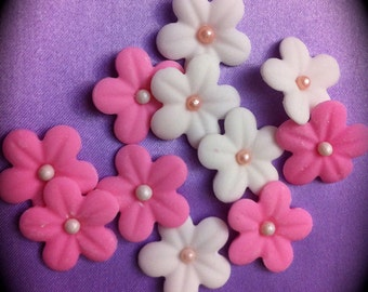 edible/fondant small flowers in different colors set of 25