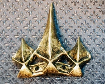 Queen Ravenna Spike Clip - Inspired by Snow White And The Huntsman