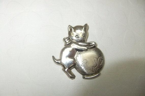 Sterling Silver Kitten in Fish Bowl Pin