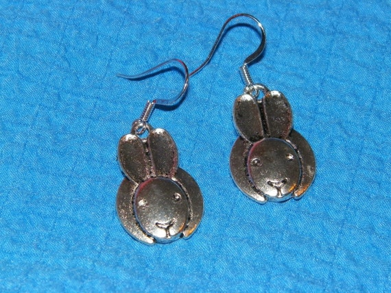 "Very Cute Simple Realistic Frontal Silver Rabbit Dangle Pierced Earrings ""15% Sale Proceeds go to House Rabbit Network """