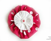Large red and white flower brooch, flower pin, cheerful, cotton, red, white dots, fashion accessory