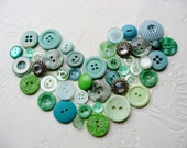 Vintage Buttons green aqua button jewelry sewing craft scrapbook supplies -L109