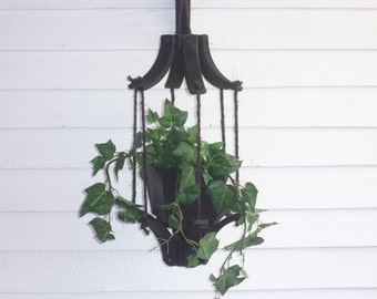 Hanging Flower Pot Planter for Indoor and Outdoor use, Deck Hanging Planter, Patio Hanging Planter