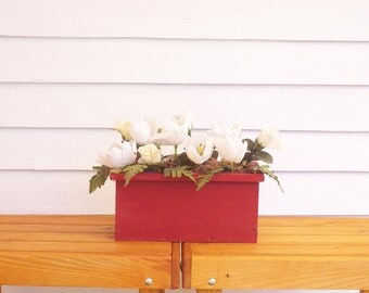 Rustic Wood  Flower Box, Rustic Wood Centerpiece, Country Center Piece, Deck Flower Box, Garden Flower Box, Indoor Flower Planter