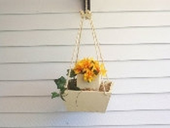 Hanging Flower Pot Planter,Hanging Plant,Wood Hanging Flower Pot,Deck Decor,Patio Decor,Patio Wood Planter, Deck Wood Planter,Indoor Planter