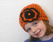 Flower hat in school colors