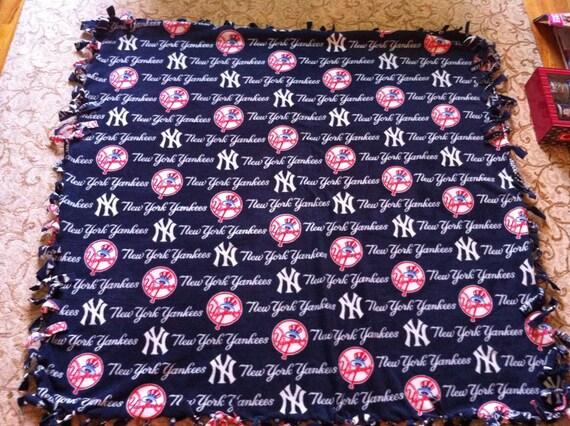New York Yankees Throw Fleece Blanket - Super Warm Fuzzy Cuddly