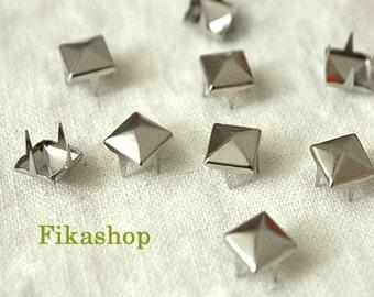 7mm 50pcs Silver pyramid studs (4 legs) / HIGH Quality - Fikashop