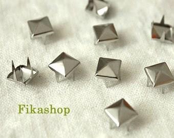 5mm 50pcs Silver pyramid studs (4 legs) / HIGH Quality - Fikashop