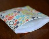 Reusable Sandwich Bag - - Multicolored Floral Print - - 7x7.