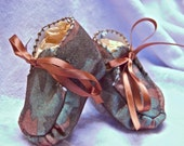 Newborn Baby BOY Booties - CAMOUFLAGE with ribbon