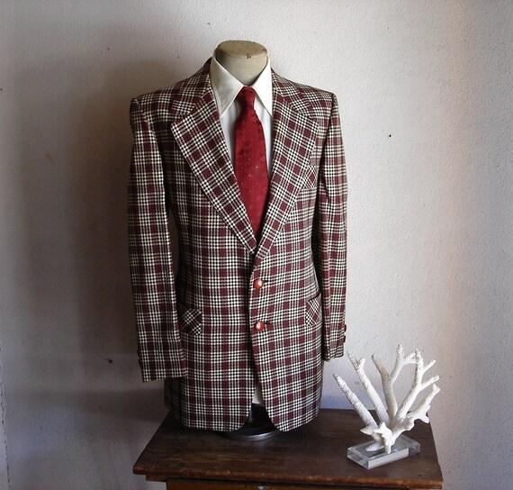 1970s MOD Plaid Suit Jacket 100% Pure Virgin Wool Mens Vintage Red, Black & White Blazer / Sport Coat by Calvert Clothes - Size 44 (XL)