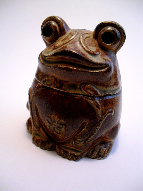 Frog figurine incense burner
