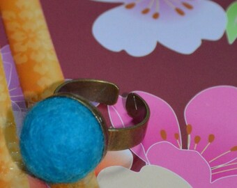 A Simply Felted Ring Pin Cushion (Blue)