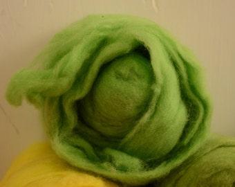 1oz Soft Merino Wool Short Fabric Batt Rovings- Lime Green