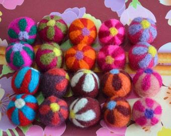 20 pcs Mulitcolors Needle Felted Flower Felt Balls
