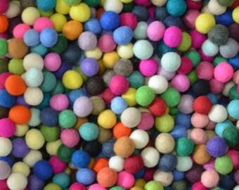 Clearance Sale 200pcs Multiple Colors Felt Balls (2cm)