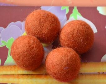 4pcs Pumpkin Wool Felt Balls (2.5cm)