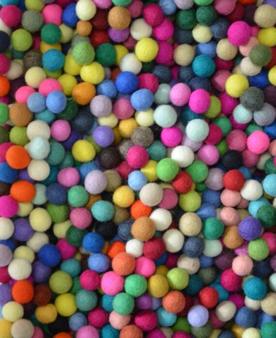 100pcs Multiple Colors Felt Balls (1.5cm)