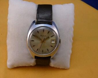 "Ussr (Soviet Union)  ""RAKETA"" (rocket)  16 jewels wrist watch 1960  very rare dial VERY very good condition"