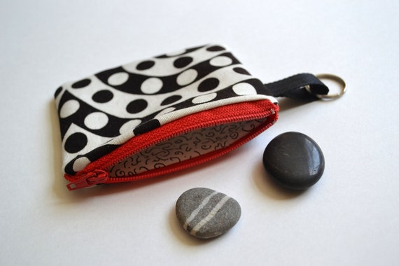Mod Vintage Fabric Coin Purse in Black and White with Red Zipper 4 x 4 1/2 and Keyring