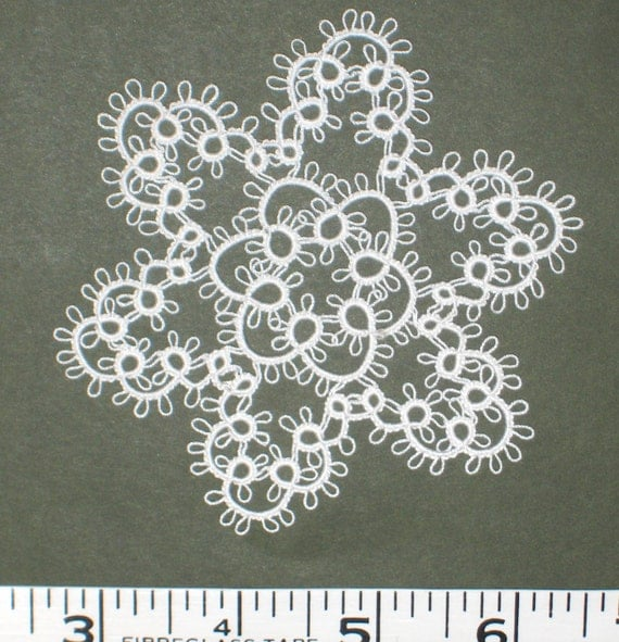 Shuttle Tatted SNOWFLAKE - Large Medallion - Doily NEW