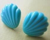 Retro 1960s vintage blue seashell glass cabochon post earrings nickel free