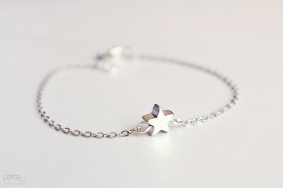 tiny star bracelet - dainty silver jewelry / gift for her / bridesmaids gifts
