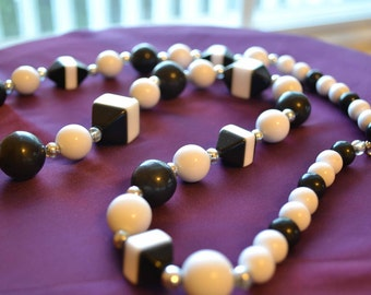 Unique, Vintage, Retro 70's Black and White, Geometric Beaded Necklace