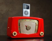 ipod iphone charging station with speakers from vintage tube radio