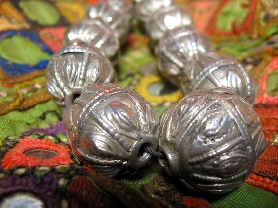 RESERVED FOR CATSPRITE - Majestic Vintage Necklace with Big Silver Beads - from Nepal