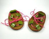 handmade soft leather baby sandals for girls/green shinny leather/ pink ribbons