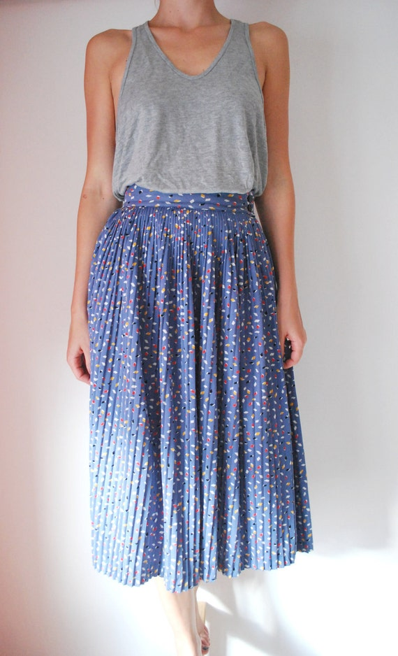 20% SALE Vintage pleated skirt blue white pattern womens size XS, small