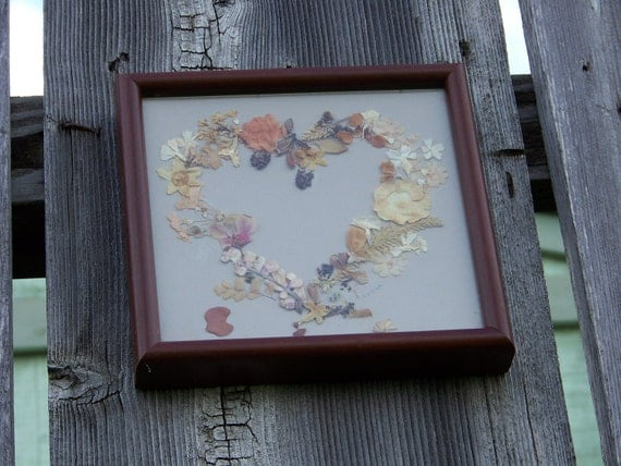 Vintage Pressed Dried Flower Heart Picture