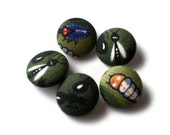 Fabric Covered Buttons Bugs Insects Australian Print Blue Green Yellow White Red Ant Fly Beetle Grub 7/8 inch 5 pack