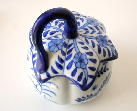 Vintage ENGLISH PRESERVE jam ceramic pot blue and white china/pottery