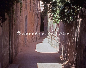 8x10 Photograph: An empty alley in Old Damascus, Syria