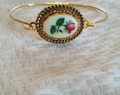 Gold plated rose wire bracelet