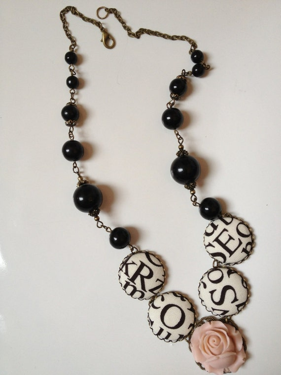 Button R-O-S-E necklace