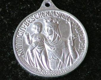 Religious Medal ---Dutch---  Charm-- Vintage
