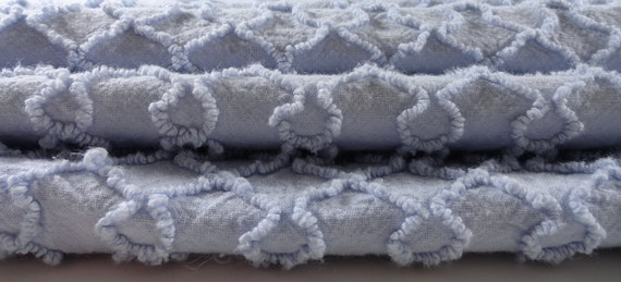 """Blue Cabin Crafts Squiggle Needletuft 24 x 21"""" Chenille Bedspread Fabric Piece"""