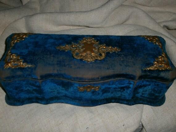 French  Silk Velvet  Box With  Gorgeous Interior Napoleon III Boudoir Shabby Chic.