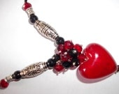 Red and Black elegant jewelled necklace